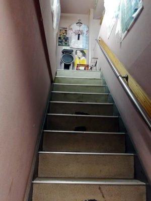 「ばかちん松五郎」の階段