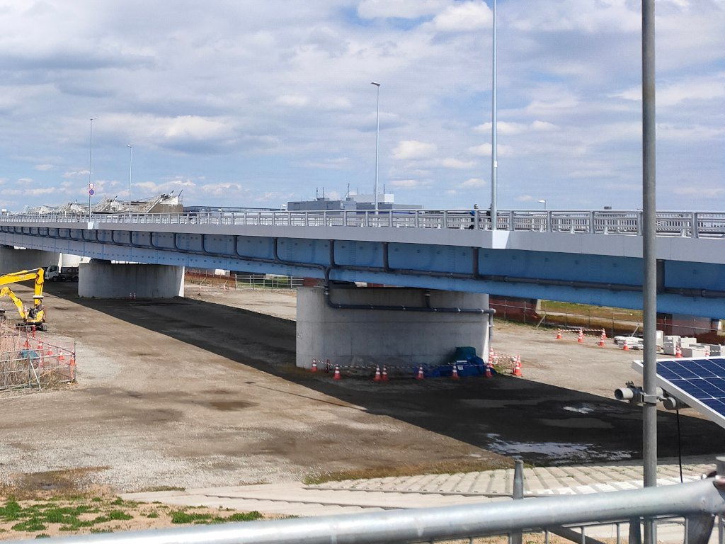 東京側から見た新しい行徳橋